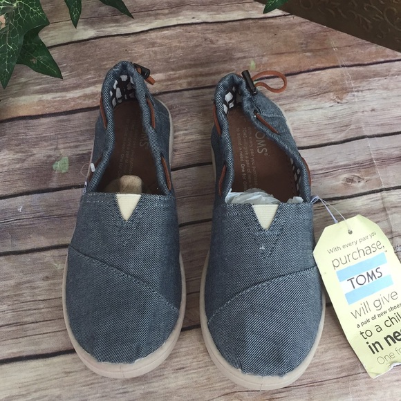 Toms Other - Toms size 2 1/2 Y Jean blue  New